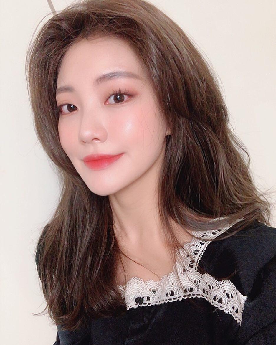 Đỉnh cao của makeup tự nhiên là bạn xinh lên mà trông như chẳng tô vẽ, và dăm tip này sẽ đưa bạn đến cảnh giới đó - Ảnh 4.