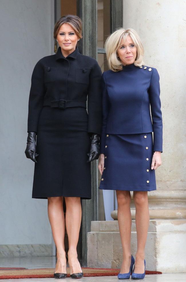 Phu nhân Tổng thống Mỹ - bà Melania Trump vẫn mặc đầm ôm sát bất chấp cả việc lộ nhược điểm vóc dáng - Ảnh 5.