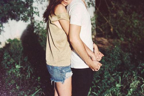 Yêu 1 người rất nhiều cũng chính là con dao 2 lưỡi phá hủy mối quan hệ