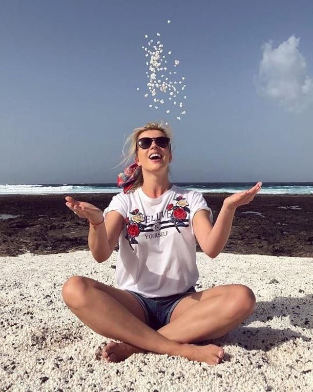 Bãi biển bỏng ngô ở Tây Ban Nha khiến nhiều người thốt lên: Trên đời này đúng là cái gì cũng có! - Ảnh 4.