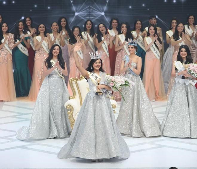 Nhan sắc và thành tích đáng nể của 4 nàng hậu mới đăng quang năm 2019: Bất ngờ với cô gái số 2! - Ảnh 9.