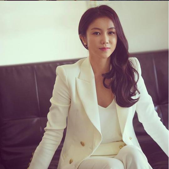 Dung nhan cô gái được cho là đang chung sống với Song Joong Ki: Từng đóng phim tại Việt Nam, nổi tiếng với vai ngoại tình trong phim 18+ - Ảnh 8.