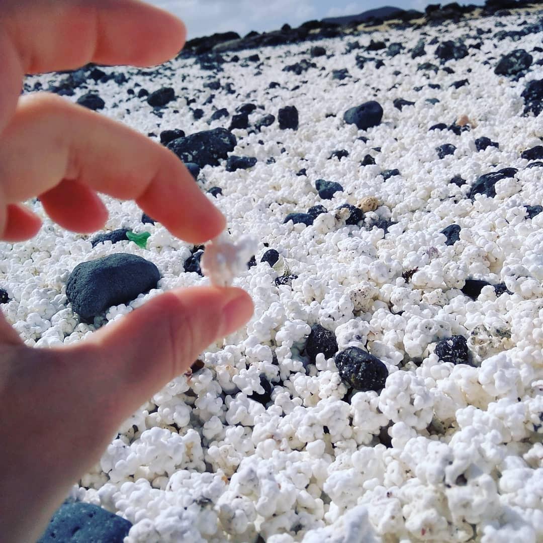 Bãi biển bỏng ngô ở Tây Ban Nha khiến nhiều người thốt lên: Trên đời này đúng là cái gì cũng có! - Ảnh 2.