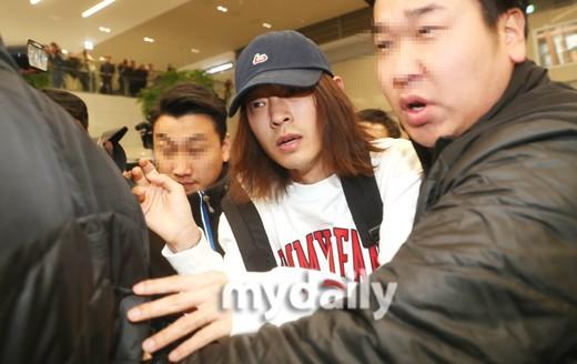 SBS tung tình tiết đinh trong vụ bê bối của Jung Joon Young: Có dấu hiệu nhờ cảnh sát tiêu hủy chứng cứ từ năm 2016 - Ảnh 3.