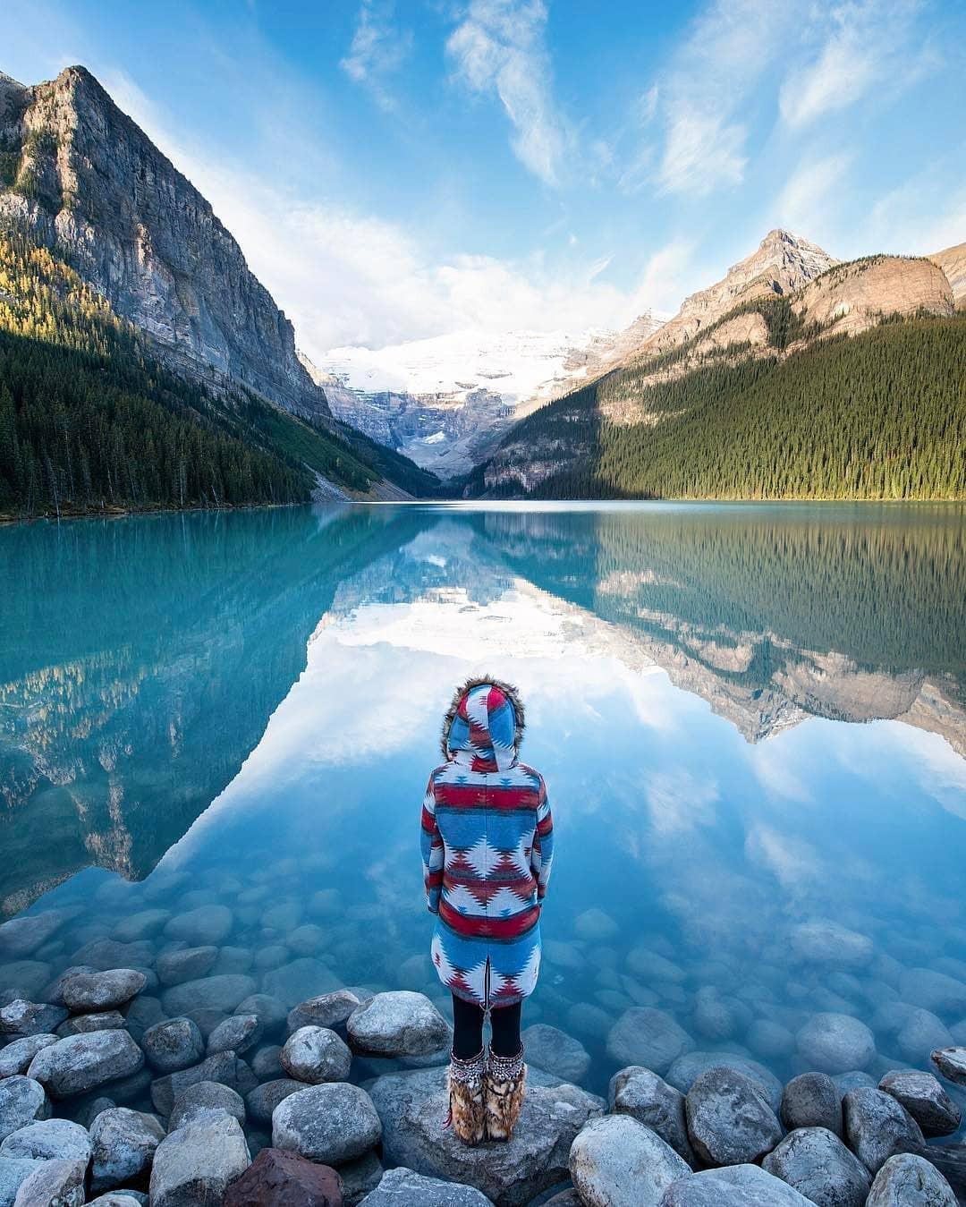 Có gì hay ở hồ nước màu xanh ngọc bích được mệnh danh là thiên đường trần gian ở Canada? - Ảnh 5.