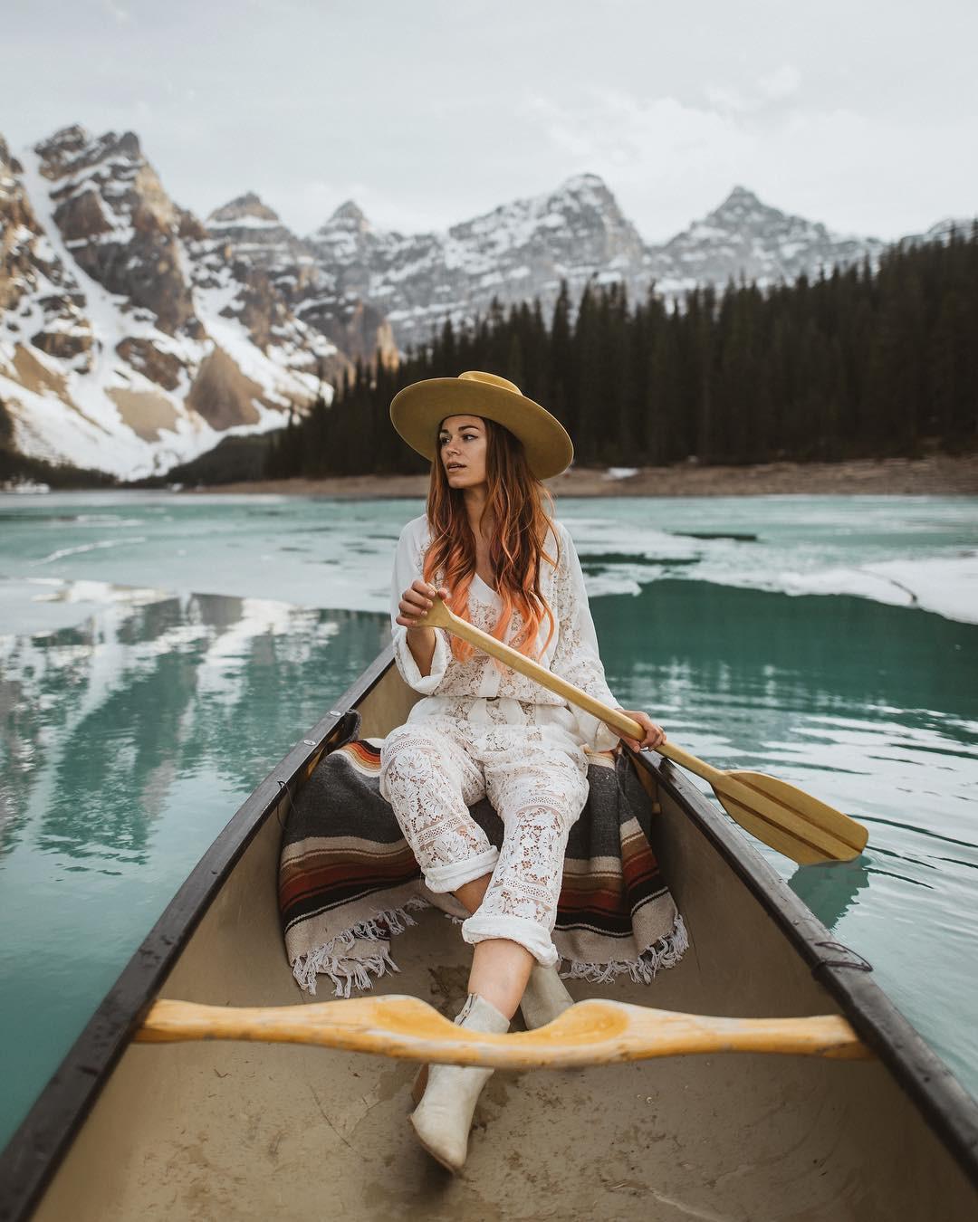 Có gì hay ở hồ nước màu xanh ngọc bích được mệnh danh là thiên đường trần gian ở Canada? - Ảnh 7.