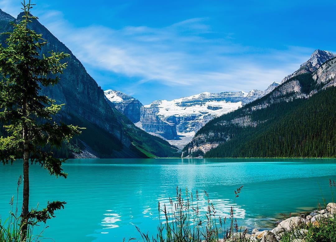 Có gì hay ở hồ nước màu xanh ngọc bích được mệnh danh là thiên đường trần gian ở Canada? - Ảnh 12.