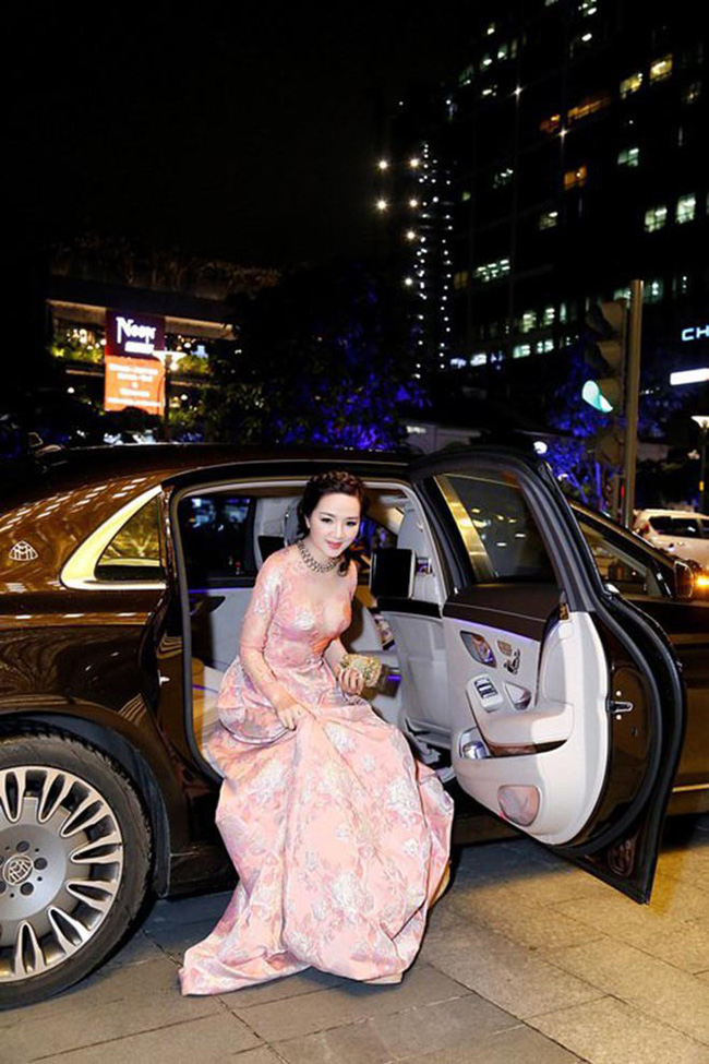 Từng là giai nhân của chủ tịch Tân Hoàng Minh, Hoa hậu không tuổi Giáng My giàu cỡ nào? - Ảnh 9.