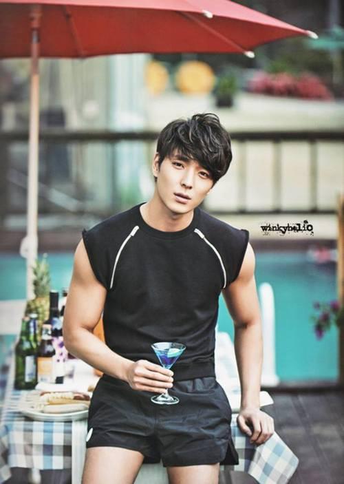 Jung Joon Young đã bị cảnh sát khám xét nhà vì tình nghi còn tang chứng, chuẩn bị đối mặt với lệnh bắt giữ - Ảnh 2.