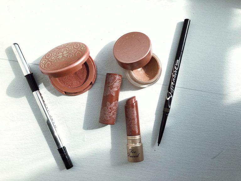 Bỏ tô trát đậm để makeup nhẹ theo Công nương Meghan, nàng beauty editor này đã nhận được hàng loạt điều tuyệt vời - Ảnh 3.