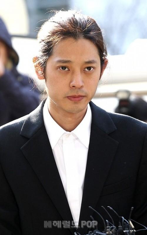 Chuyện thật như đùa: 3.200 fan Nhật lập kiến nghị mong Jonghyun ở lại CNBLUE, van xin Yong Hwa hãy cứu lấy anh ấy - Ảnh 3.