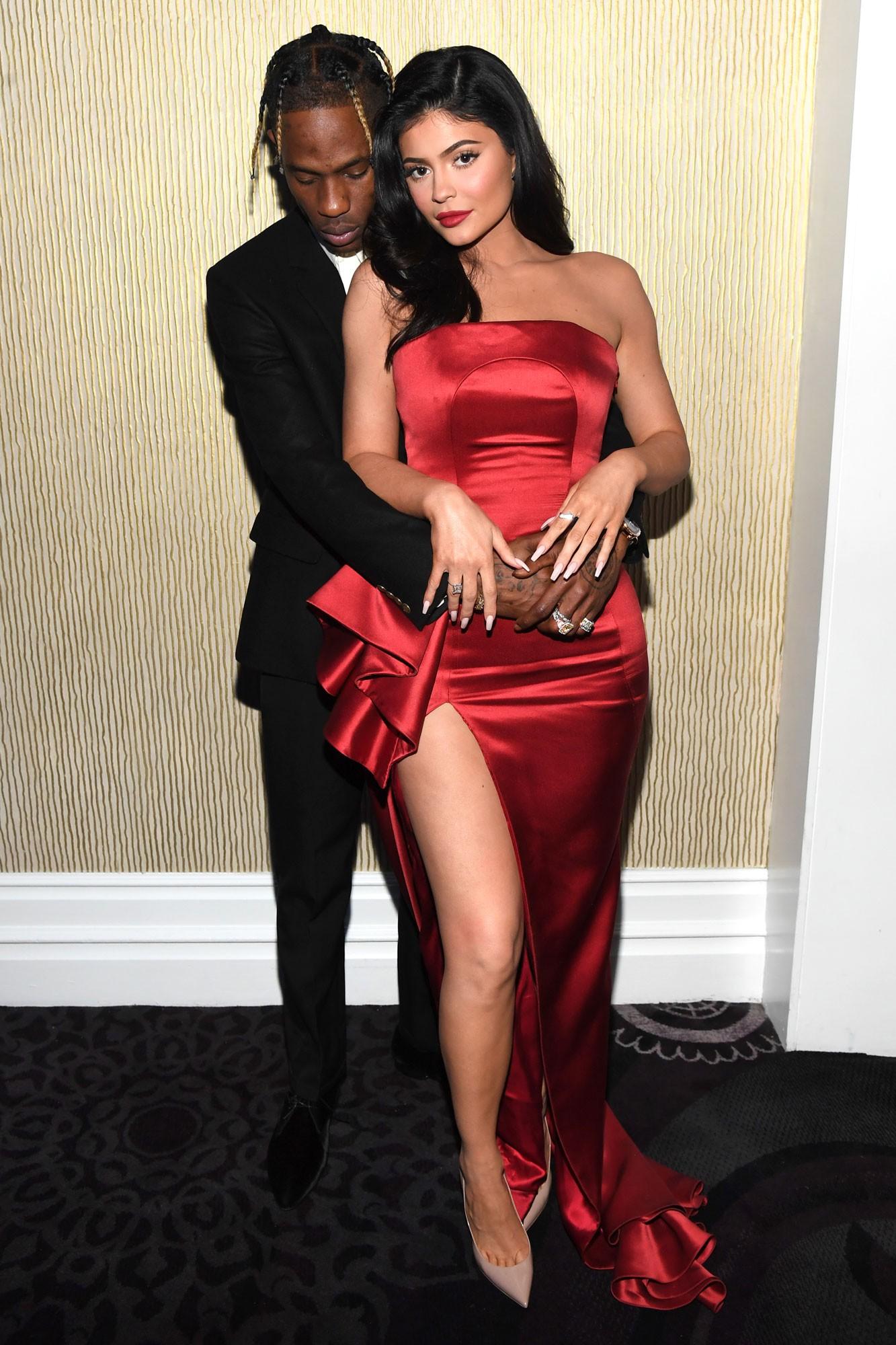 Dính tin đồn ngoại tình, Travis Scott công khai dùng cách đặc biệt này để thể hiện tình yêu với bạn gái Kylie Jenner - Ảnh 3.