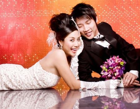 Ốc Thanh Vân công khai bộ ảnh cưới 11 năm trước, tiết lộ vẫn còn giữ kỹ chiếc váy cưới ngay cả khi không còn mặc vừa - Ảnh 2.