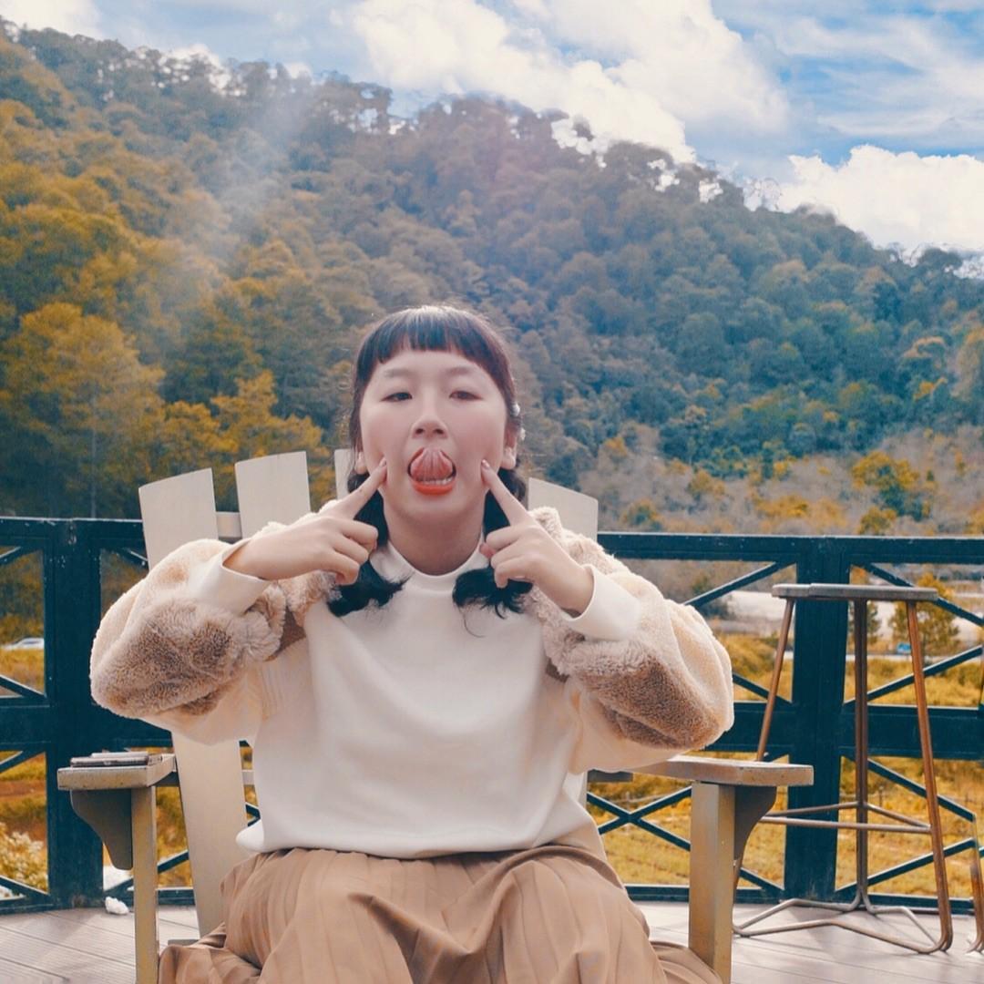 Bị đồn là đang yêu Kaity Nguyễn, Trang Hý liền đăng 1 bức ảnh đáp trả làm hội FA bối rối - Ảnh 1.
