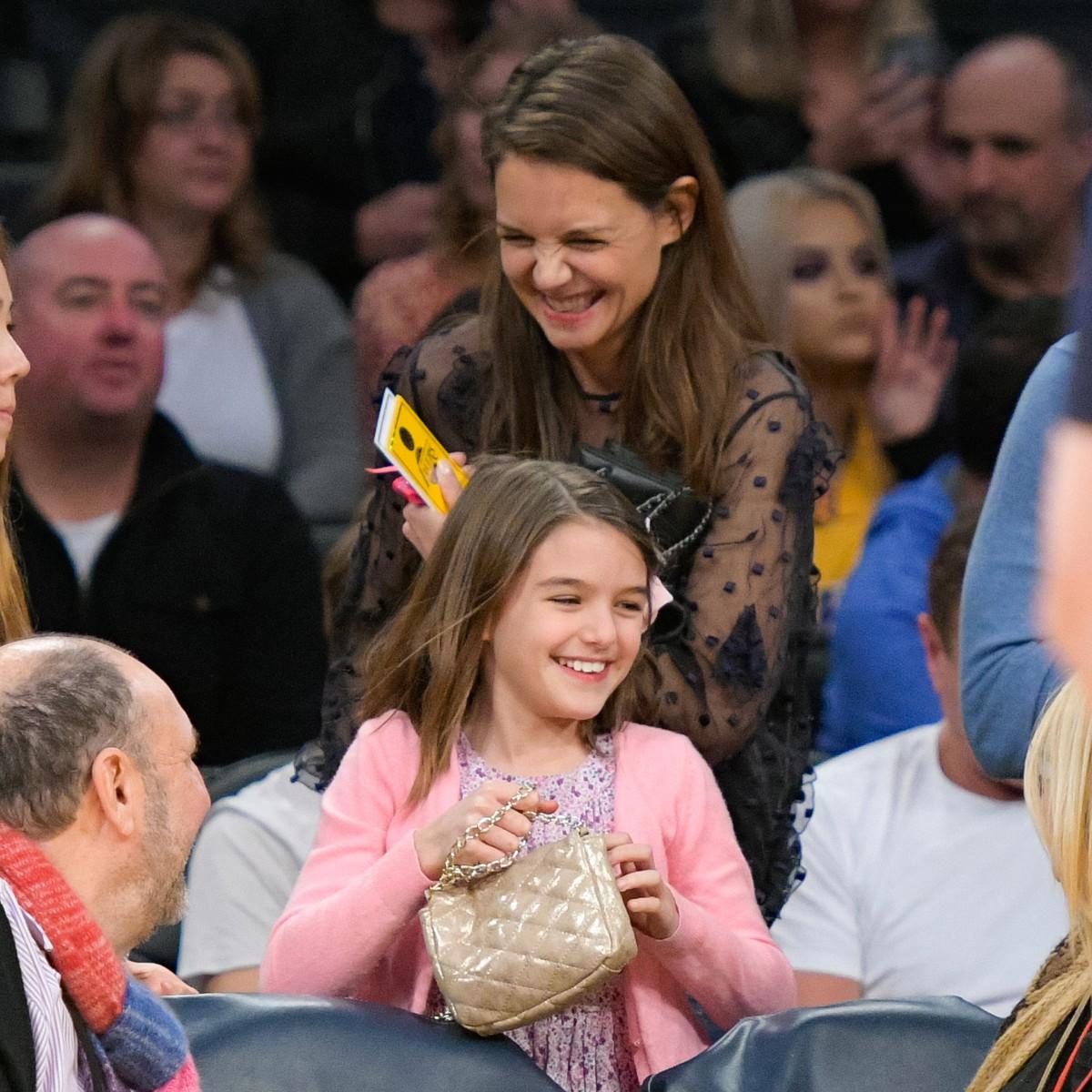 Những cô công chúa nổi tiếng nhà sao Hollywood ngày ấy nay đã lớn: Suri Cruise, Harper Beckham lột xác ngoạn mục - Ảnh 10.