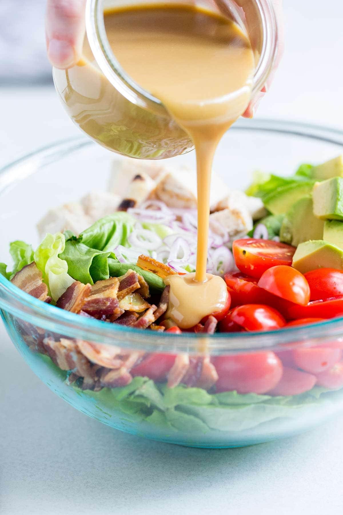 Ăn sạch, giảm cân với salad nhưng nếu cứ mắc những lỗi sau coi chừng phản tác dụng - Ảnh 3.