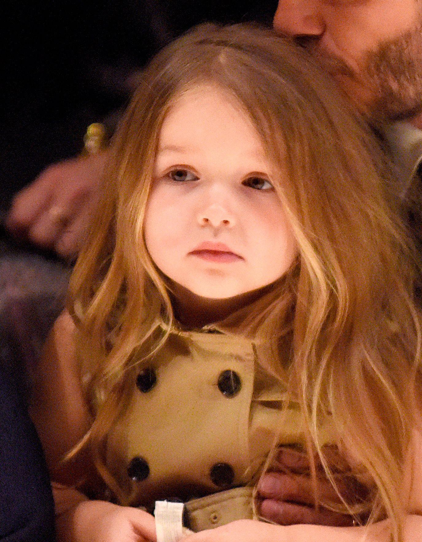 Những cô công chúa nổi tiếng nhà sao Hollywood ngày ấy nay đã lớn: Suri Cruise, Harper Beckham lột xác ngoạn mục - Ảnh 17.