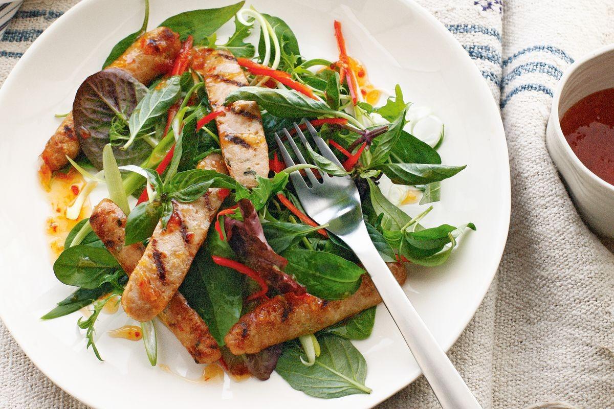 Ăn sạch, giảm cân với salad nhưng nếu cứ mắc những lỗi sau coi chừng phản tác dụng - Ảnh 4.
