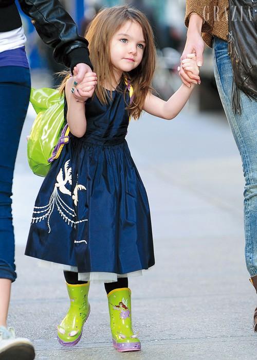 Những cô công chúa nổi tiếng nhà sao Hollywood ngày ấy nay đã lớn: Suri Cruise, Harper Beckham lột xác ngoạn mục - Ảnh 3.