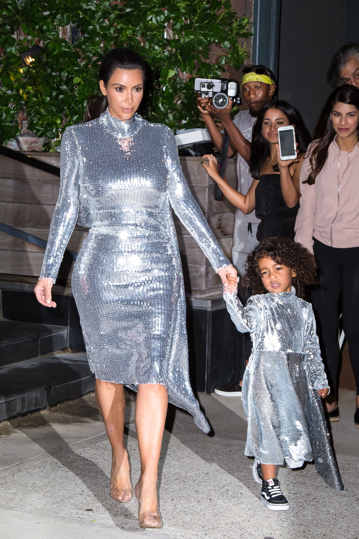 Những cô công chúa nổi tiếng nhà sao Hollywood ngày ấy nay đã lớn: Suri Cruise, Harper Beckham lột xác ngoạn mục - Ảnh 33.