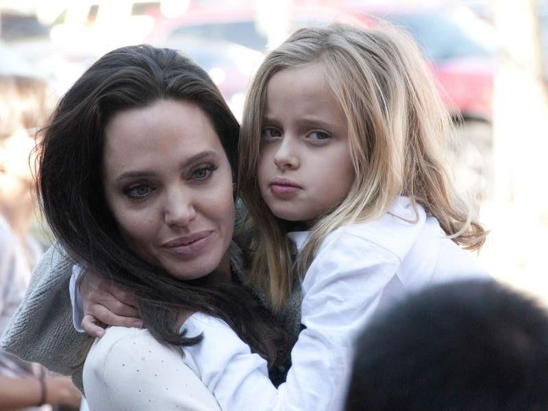 Những cô công chúa nổi tiếng nhà sao Hollywood ngày ấy nay đã lớn: Suri Cruise, Harper Beckham lột xác ngoạn mục - Ảnh 24.