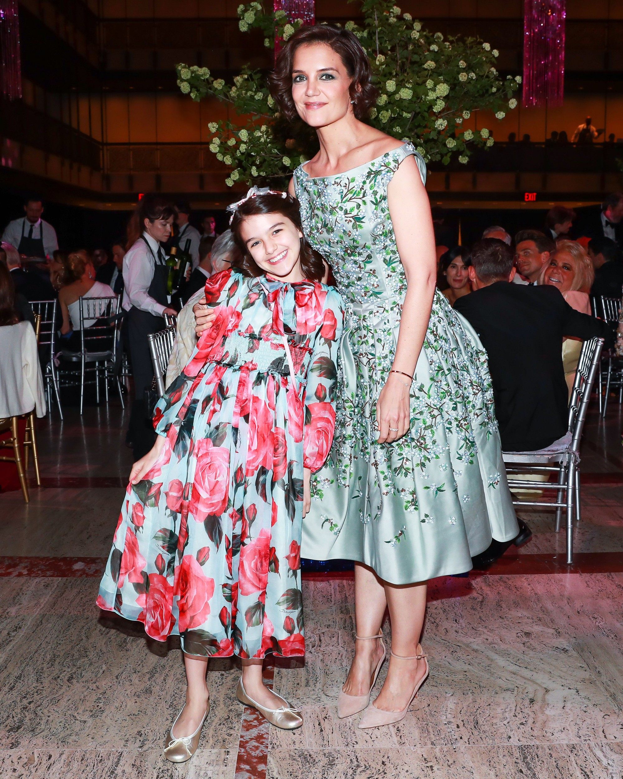 Những cô công chúa nổi tiếng nhà sao Hollywood ngày ấy nay đã lớn: Suri Cruise, Harper Beckham lột xác ngoạn mục - Ảnh 13.