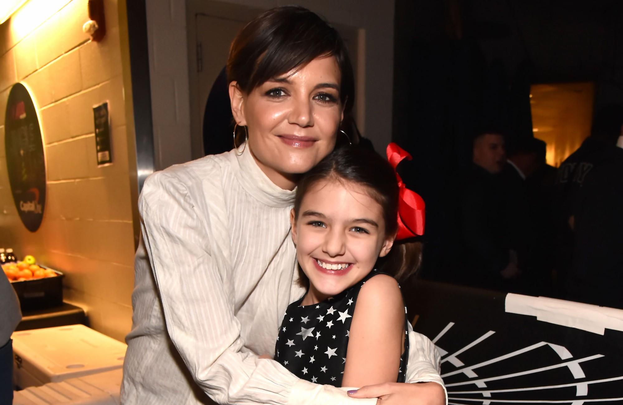 Những cô công chúa nổi tiếng nhà sao Hollywood ngày ấy nay đã lớn: Suri Cruise, Harper Beckham lột xác ngoạn mục - Ảnh 9.