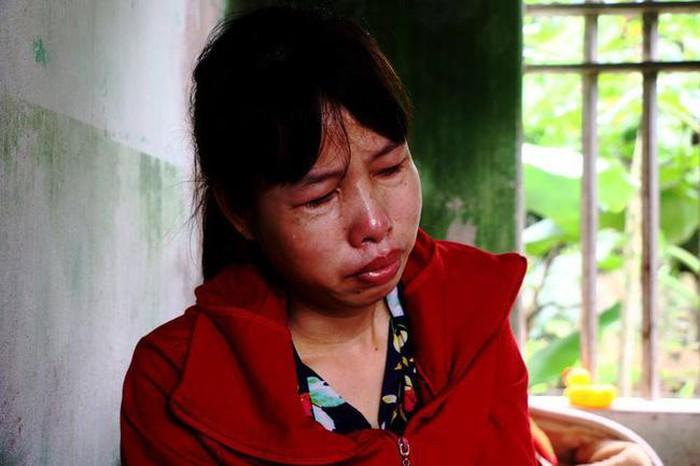 Mẹ của nữ sinh lớp 9 bị đánh hội đồng: 'Danh dự của con tôi cả đời, không thể tha thứ được'