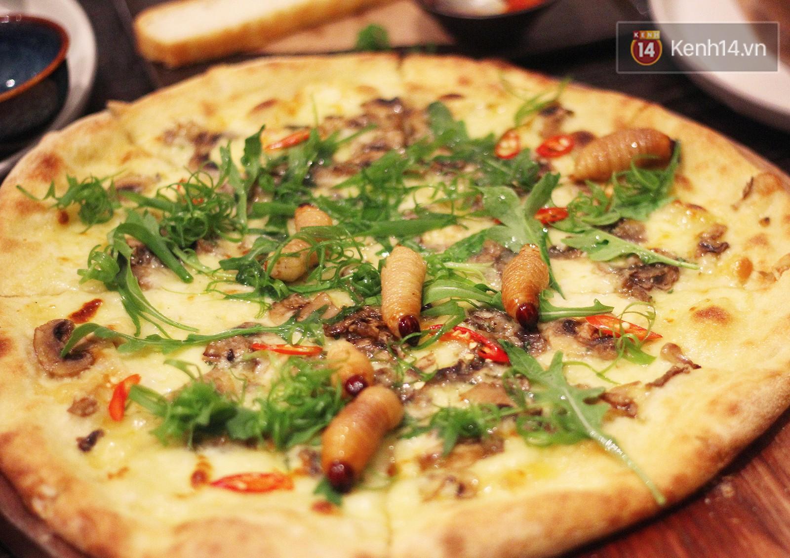 Ăn thử pizza đuông dừa: không cẩn thận là topping bò đi mất và hẳn ai cũng bất ngờ vì sự thật phía sau - Ảnh 2.
