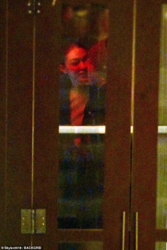 Hẹn hò trai lạ, Gigi Hadid bị chính bạn trai cũ Zayn Malik dằn mặt và chửi bới trên Twitter? - Ảnh 4.