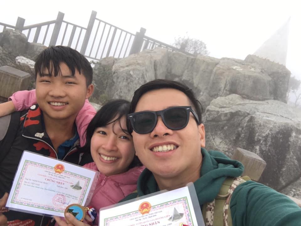 Cười xỉu với hành trình cô gái Sài Gòn mếu máo leo núi Fansipan vì bạn trai rủ: Tình yêu quả là có sức mạnh phi thường! - Ảnh 10.