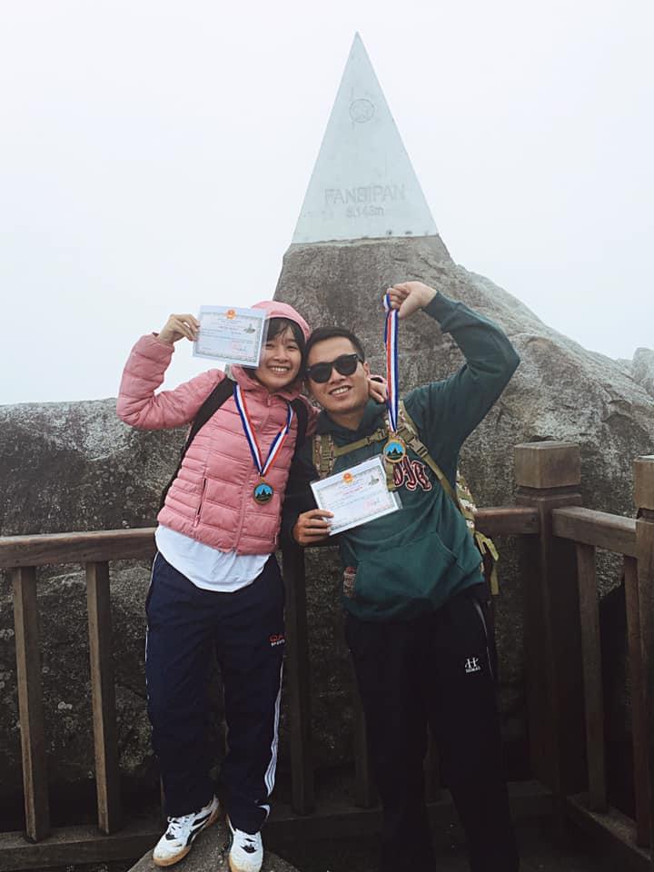 Cười xỉu với hành trình cô gái Sài Gòn mếu máo leo núi Fansipan vì bạn trai rủ: Tình yêu quả là có sức mạnh phi thường! - Ảnh 2.