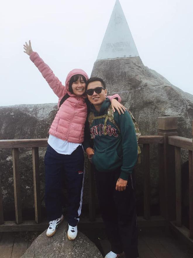 Cười xỉu với hành trình cô gái Sài Gòn mếu máo leo núi Fansipan vì bạn trai rủ: Tình yêu quả là có sức mạnh phi thường! - Ảnh 7.