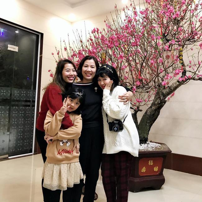 MC Diệp Chi khoe em gái đã bảo vệ thành công luận văn thạc sĩ ở Ý, mong ngày gia đình sớm đoàn tụ - Ảnh 3.