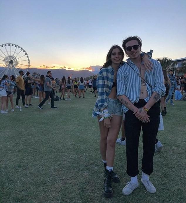 Dàn sao nổi tiếng thế giới quy tụ tại Coachella 2019: Selena đụng độ Hailey Bieber, Black Pink quá nổi giữa dàn sao - Ảnh 6.