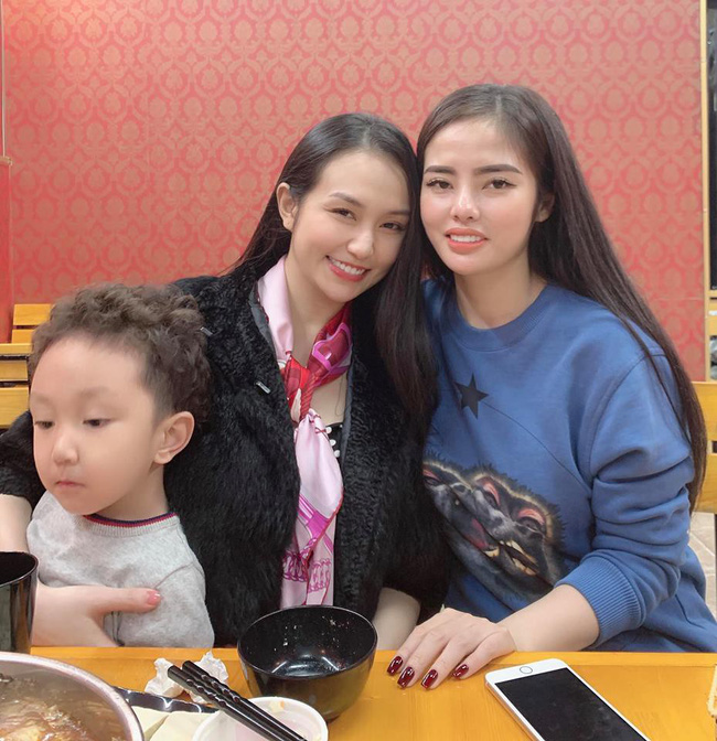 Huyền Baby đọ sắc với bạn thân Hương Baby, ai cũng trầm trồ vì bà xã Tuấn Hưng bầu lần 3 vẫn đẹp xuất sắc - Ảnh 4.