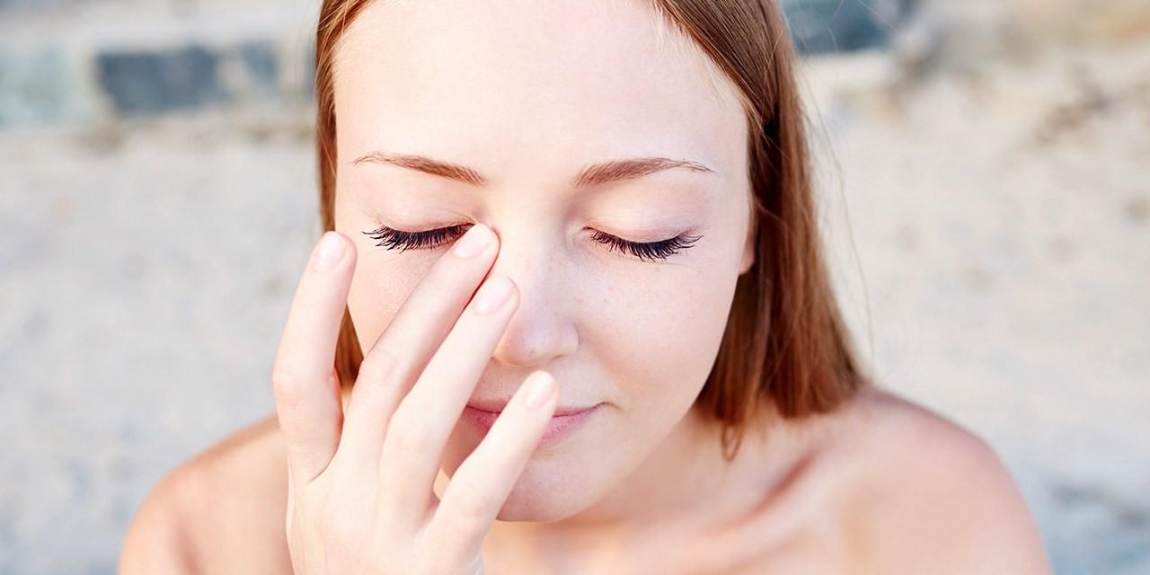 6 vùng trên cơ thể mà bạn không nên chạm tay vào để tránh lây lan vi khuẩn - Ảnh 2.