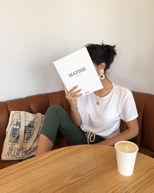 """sskeptical: """"la femme libre 🕊 (at Los Angeles, California) https://www.instagram.com/p/BnUWg1qhUk3/?utm_source=ig_tumblr_share&igshid=mqkc63706h7z """""""