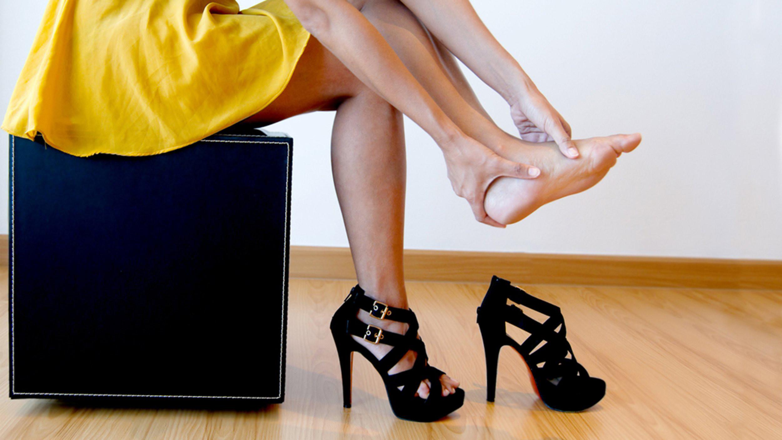 Nguy cơ từ giày cao gót 2