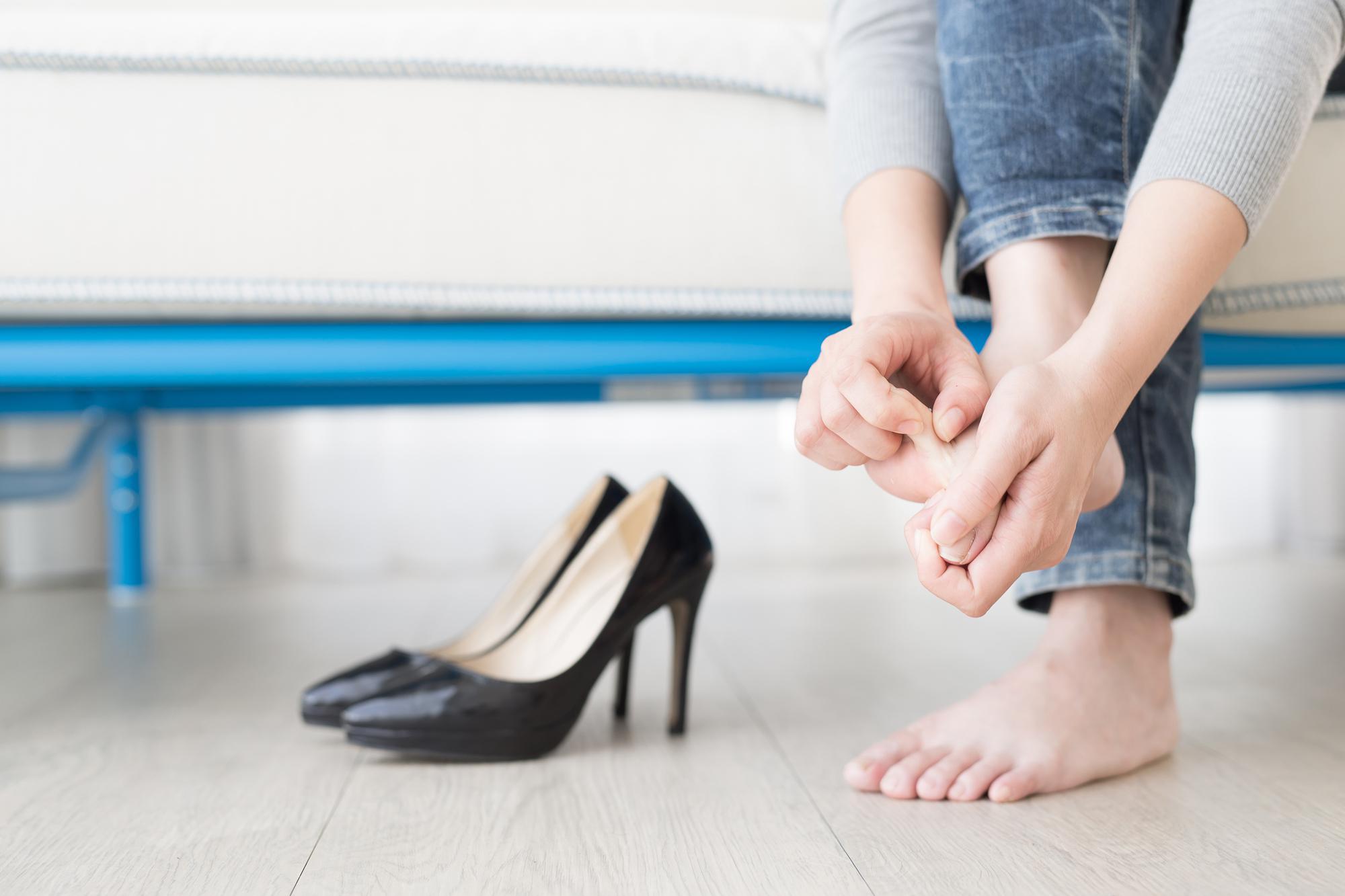 Nguy cơ từ giày cao gót 5