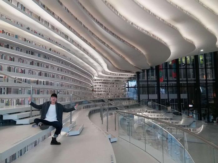 Choáng ngợp với vẻ đẹp của thư viện quốc dân lớn nhất Trung Quốc được check in rầm rộ - Ảnh 14.