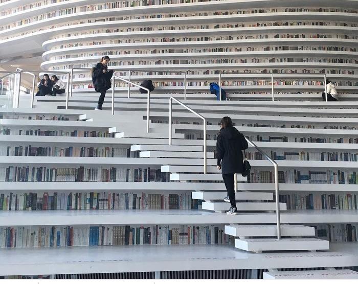 Choáng ngợp với vẻ đẹp của thư viện quốc dân lớn nhất Trung Quốc được check in rầm rộ - Ảnh 8.