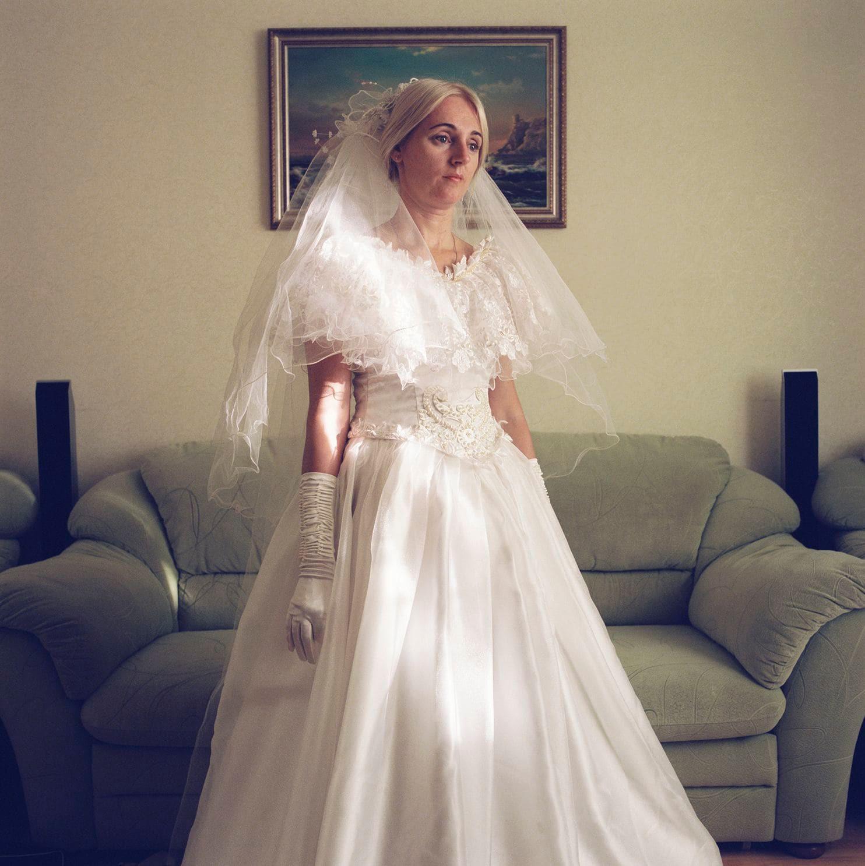 Lý do gì khiến phụ nữ ở Belarus luôn giữ gìn váy cưới cẩn thận suốt hàng chục năm? - Ảnh 4.