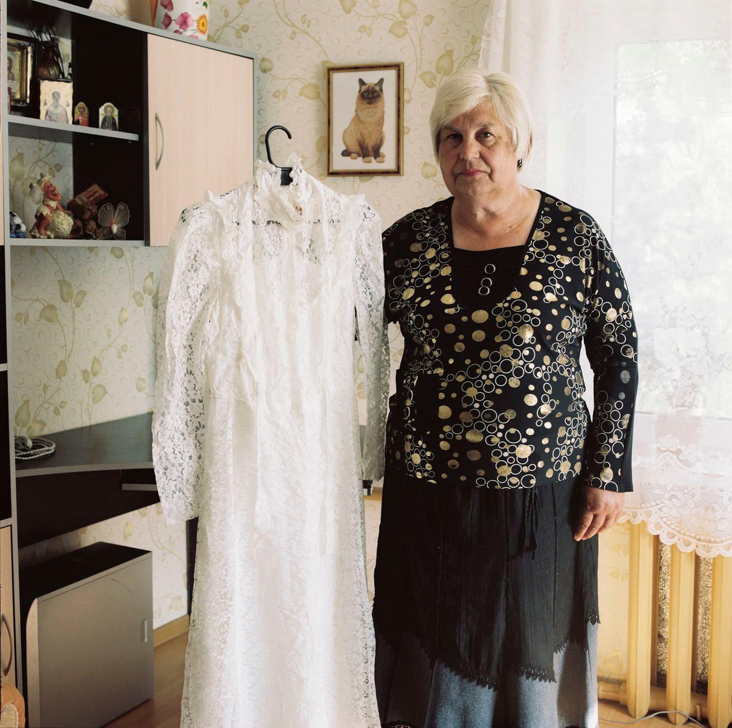 Lý do gì khiến phụ nữ ở Belarus luôn giữ gìn váy cưới cẩn thận suốt hàng chục năm? - Ảnh 10.