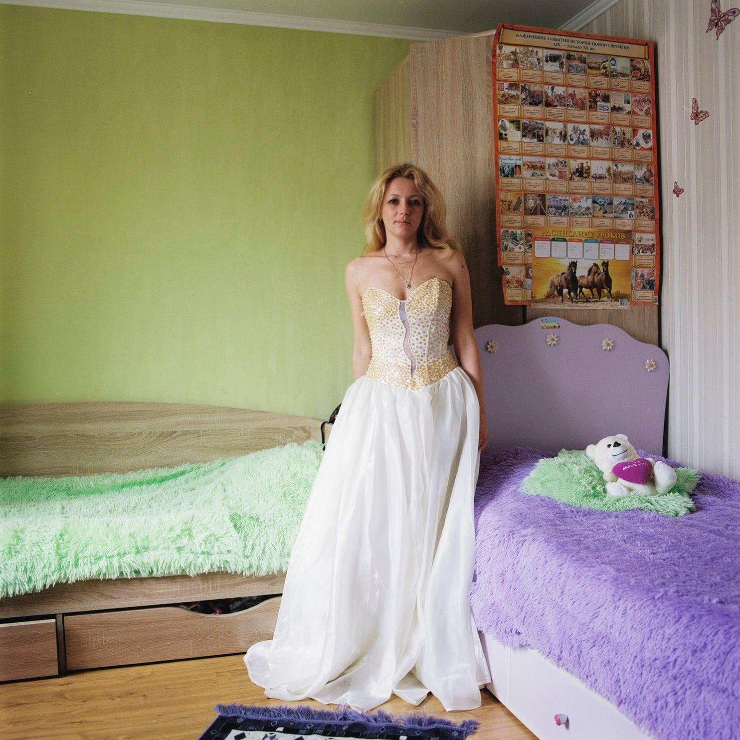 Lý do gì khiến phụ nữ ở Belarus luôn giữ gìn váy cưới cẩn thận suốt hàng chục năm? - Ảnh 9.