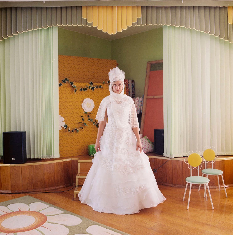 Lý do gì khiến phụ nữ ở Belarus luôn giữ gìn váy cưới cẩn thận suốt hàng chục năm? - Ảnh 1.