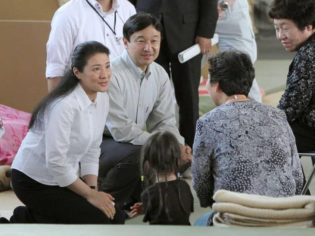 Chân dung Tân Nhật hoàng Naruhito - vị vua sẽ gắn bó với người dân Nhật Bản trong thời kỳ Reiwa đầy hứa hẹn - Ảnh 10.