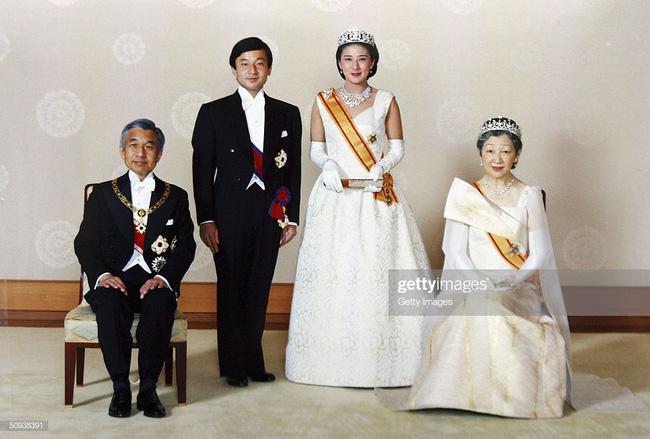 Tân Nhật hoàng Naruhito và vương phi u sầu Masako: Mối tình sét đánh, 6 năm theo đuổi, 3 lần cầu hôn và lời hứa bảo vệ em đến trọn đời - Ảnh 12.