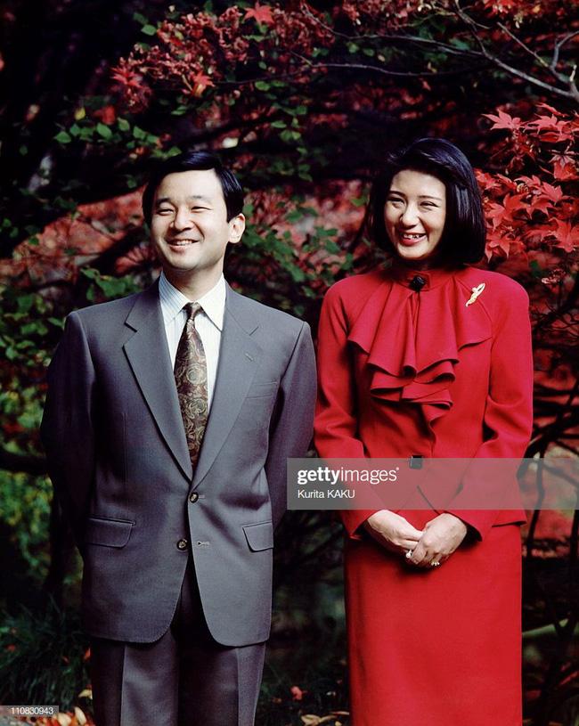 Tân Nhật hoàng Naruhito và vương phi u sầu Masako: Mối tình sét đánh, 6 năm theo đuổi, 3 lần cầu hôn và lời hứa bảo vệ em đến trọn đời - Ảnh 2.