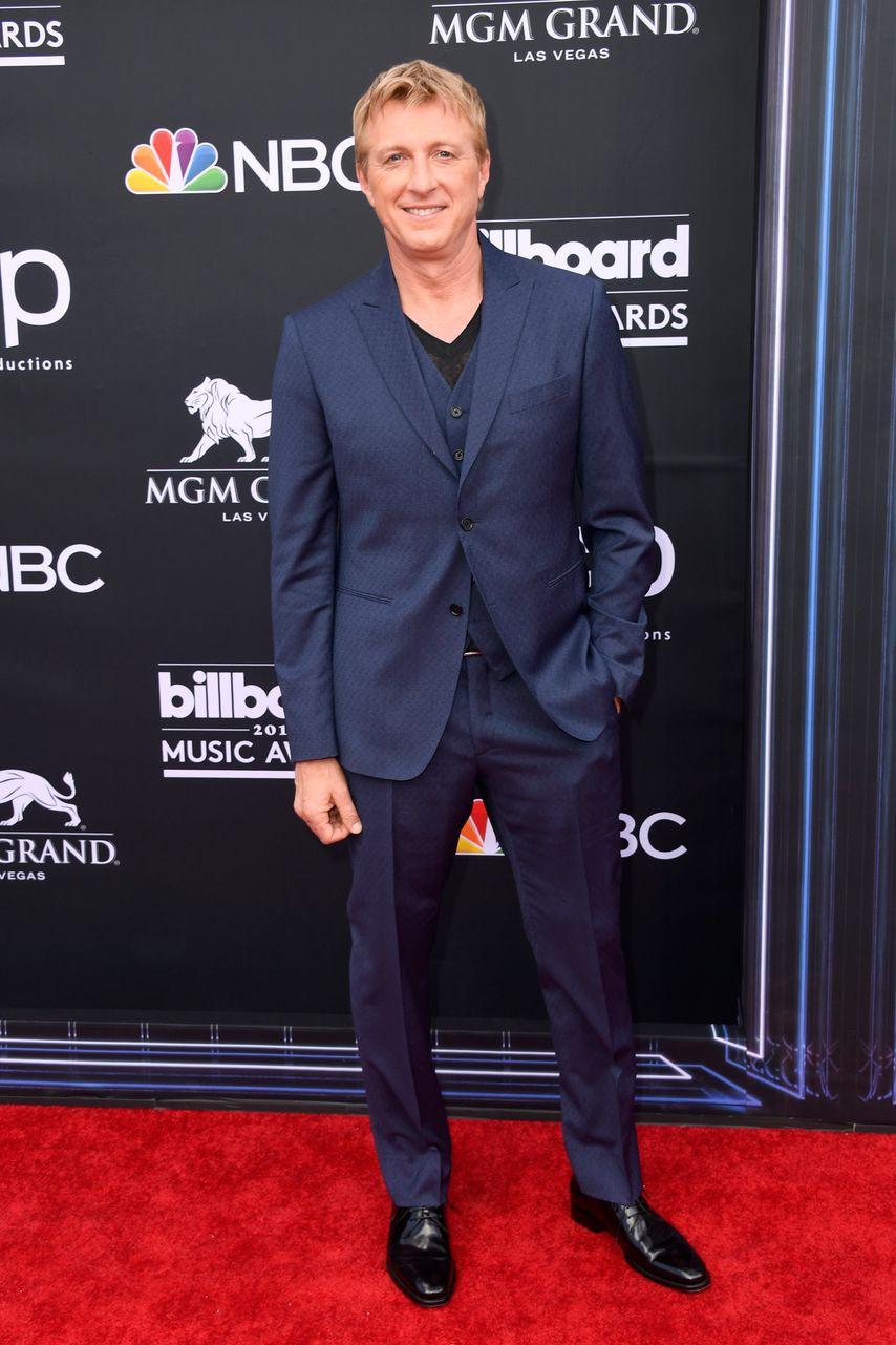 Thảm đỏ Billboard 2019: Taylor Swift sến sẩm bị dàn mỹ nhân ngực khủng át vía, BTS lột xác quyền lực bên quân đoàn sao - Ảnh 27.